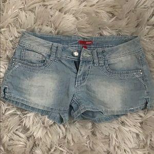 Bongo low-cut shorts size 5 light wash